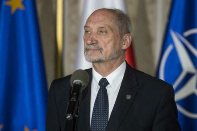 Министр обороны Польши: Организатор Смоленской авиакатастрофы