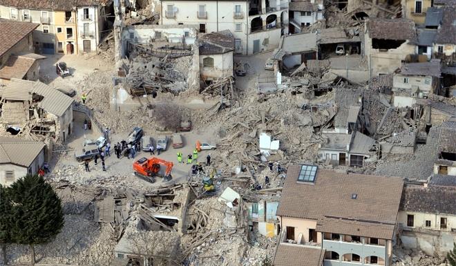 Число погибших землетрясения вцентре Италии достигло 290 человек