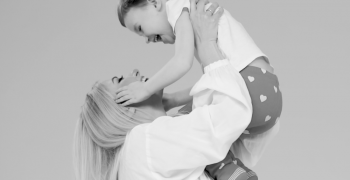 Молодша Ніна Матвієнко дебютувала у зйомках кліпу своєї зіркової мами